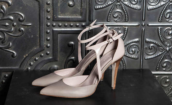 Elegant shoes for women